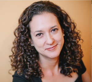 Dr. Claudia Salazar